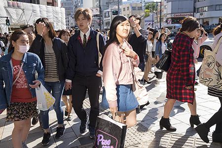 place m 吉田仁美 hitomi yoshida in the crowd